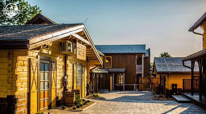 Domki do wynajęcia w Zatorze - dlaczego warto odwiedzić Western Camp Resort?
